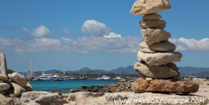 playa de illetes en formentera excursion barco