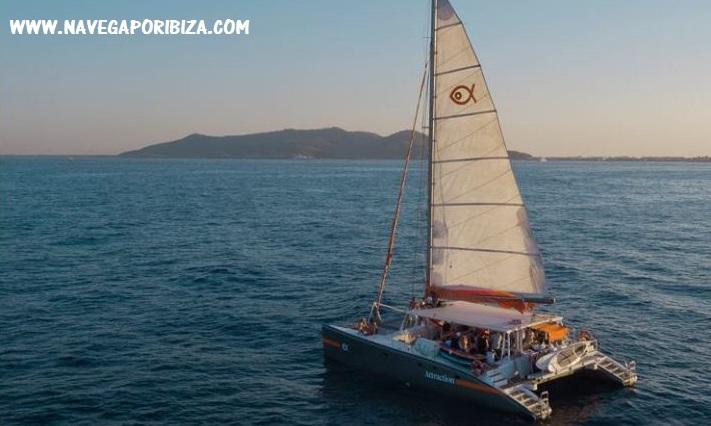 alquila catamaran grande en ibiza para eventos privados