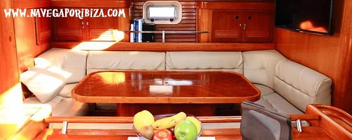 barco oceanis para alquilar en ibiza, salon