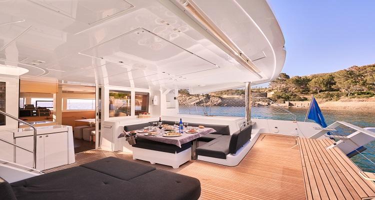 catamaran para alquilar en ibiza