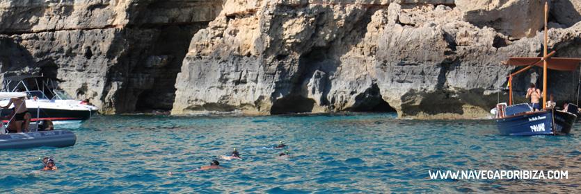 snorkel en las cuevas de formentera