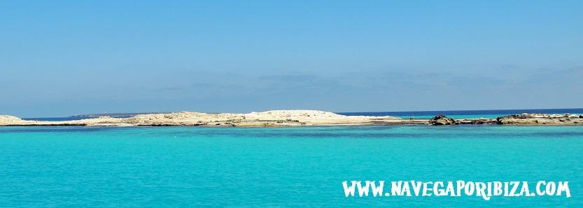 playa de illetes en formentera, alquila barco en ibiza