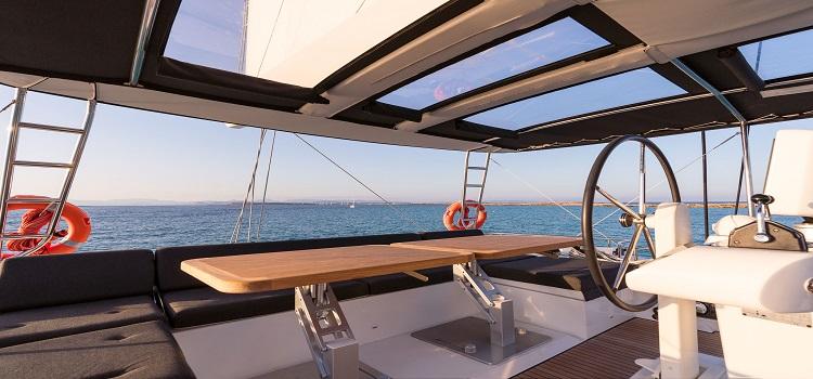 alquilar catamaran en ibiza, navegacion