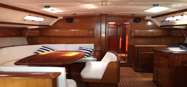 velero 15 metros ibiza interior